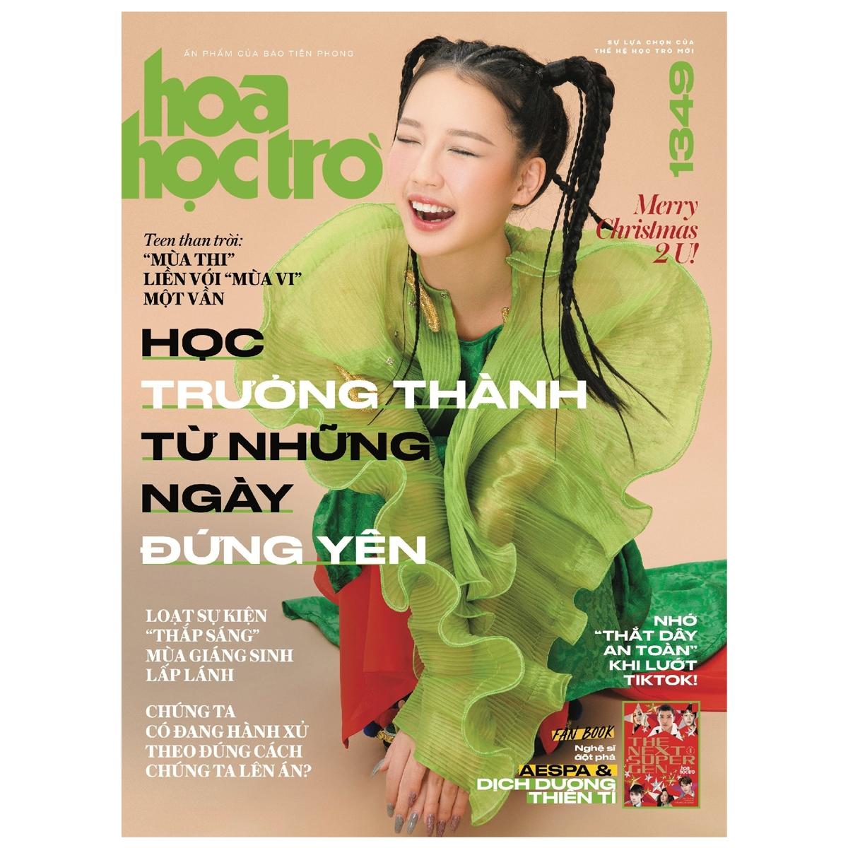 Fahasa - Hoa Học Trò Số 1349 - Tặng Kèm Fanbook The Next Super Gen Vol.1 + 2 Mega Poster...