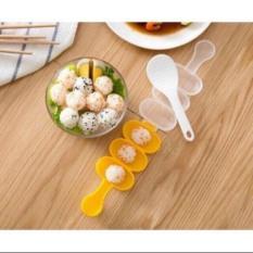 Tặng kèm vá xúc cơm – Khuôn làm cơm nắm tròn, cơm lắc cho bé ăn ngon miệng có hộp