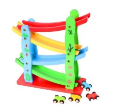 Bộ cầu trượt 4 tầng tặng kèm 4 xe bằng gỗ smart baby chất liệu gỗ và sơn an toàn, bo tròn các góc, không gây nguy hiểm cho bé, giúp bé vui chơi thỏa thích.