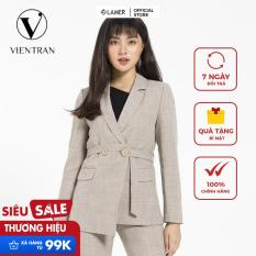Áo vest nữ nhấn đai eo Vien Tran V65D19T057 (Nhiều màu)