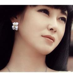 Bông tai vòng hoa tinh tế phong cách Hàn
