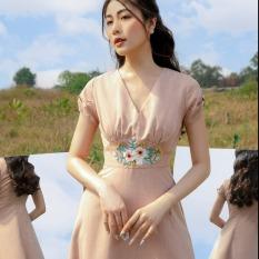 OLV – Đầm Sandy V Neck Embro Dress