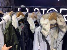 [ HÀNG HOT ] ÁO KHOÁC – Áo gió nam cao cấp – Chất liệu poly chống nước cực tốt lót lông mềm mịn mặc cực ấm cực thoải mái