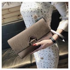 Clutch cầm tay phong cách thời trang mới có thể đeo chéo PLCL03