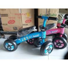 Xe chòi chân 4 bánh giữ thăng bằng khung bằng thép siêu chắc chắn an toàn cho bé từ 2 đến 5 tuổi