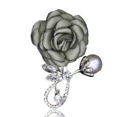 Cài áo hoa hồng sành điệu