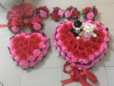Bộ hoa cưới xe dâu mẫu trái tim HOA HỒNG đỏ viền hồng gồm 12 chi tiết hoa, đế nam châm, cam kết hình thật 100%