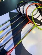 Vợt cầu lông thể thao Yonex (đỏ)