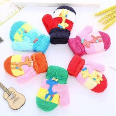 Bao tay len nhiều màu cho bé
