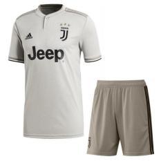 Áo bóng đá câu lạc bộ Juventus xám trắng – Hàng thun thái nhập xịn – 2018 – 2019 có logo đầy đủ