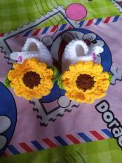 Giày len cho bé 0-12 tháng – hoa hướng dương