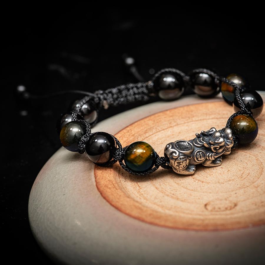 Vòng phong thủy thời trang thủ công handmade đá mắt hổ vàng và đá đen tỳ hưu dây đan shamballa phật giáo