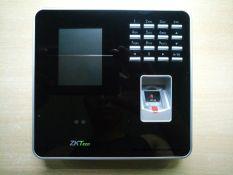 Máy chấm công vân tay chụp hình khuôn mặt ZKTeco MB20