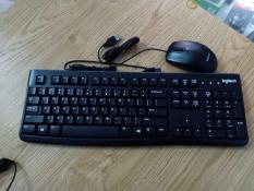 Bộ bàn phím và chuột có dây Logitech K120 – B100