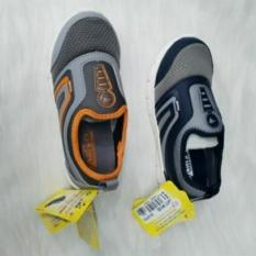 Giàybé trai siêu nhẹ DSB1271 xanh