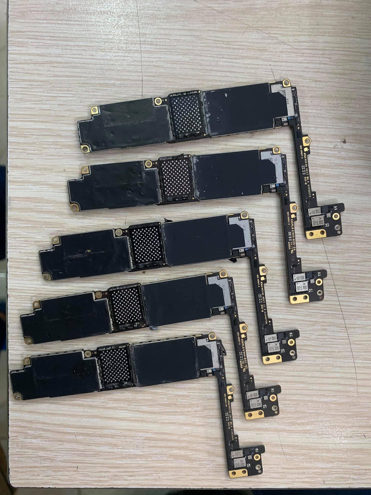 main xác iphone 8plus dành cho thợ sửa chữa lấy ic sửa máy khác