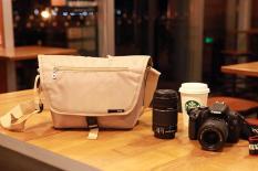 Túi máy ảnh EOS màu vàng nhạt