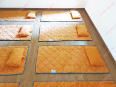 Nệm mầm non Hula cho bé đi học, nệm chần gòn có chống trượt vải cotton cara thấm hút tốt, màu Cam, kích thước 120 x 63cm