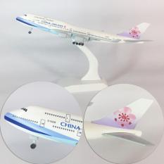Mô hình máy bay boeing 747, mô hình máy bay boeing 777 300er dòng mô hình may bay 747 kích thước ~20cm dùng để trưng bày, sưu tập, trang trí phòng ngủ, trang trí phòng khách, bàn,…