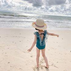 Bộ set bơi liền thân cho bé gái đính hạt cực sang