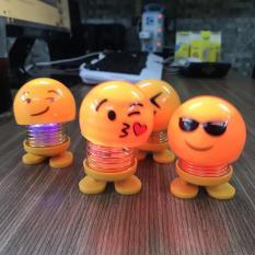 Combo 4 con lắc lò xo Emoji có đèn phát sáng – trang trí ngộ nghĩnh