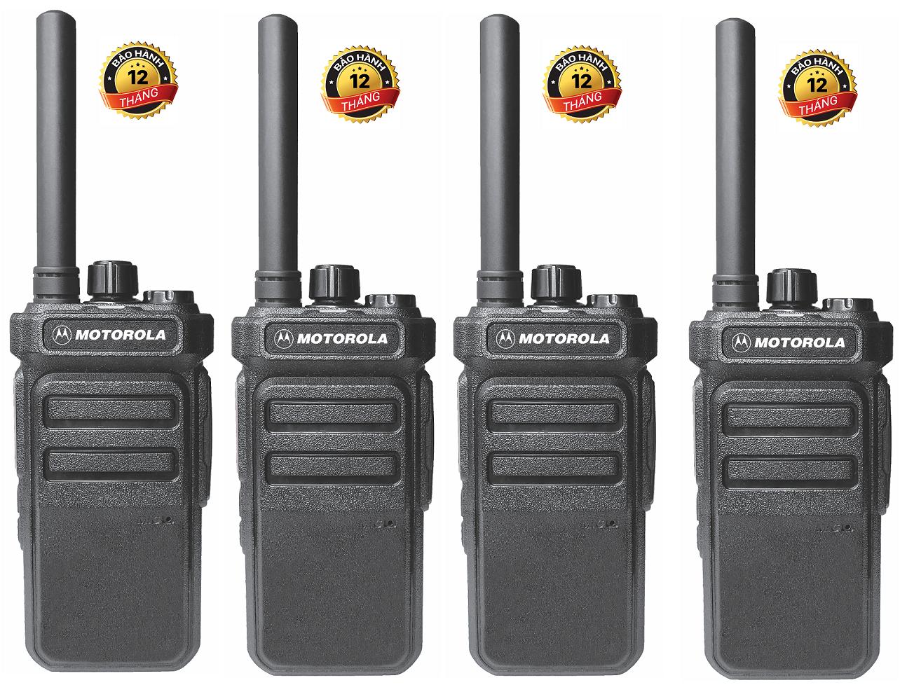 Bộ 4 Bộ đàm Motorola CP988 (Nhỏ gọn âm thanh trong, 2 chế độ sạc, Pin dung lượng cao sử dụng lớn hơn 18 tiếng, siêu bền, cự ly liên lạc xa)