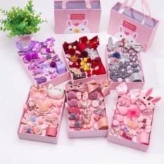 [HCM]Hộp kẹp tóc cho bé gái 18 chi tiết 7 màu với 7 loại hộp 18 chi tiết khác nhau. Kèm hộp có quai sách quà tặng đáng yêu cho bé gái.
