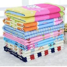 Lót chống thấm – thảm chống thấm 3 lớp xuất Nhật kích thước vừa 70 cm* 50 cm cho bé Sản Phẩm Thông Minh Tiện Dụng