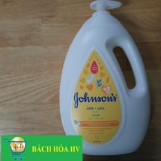 sữa tắm yến mạch Johnson baby bath (milk+oats) 1000ml