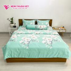 Bộ Ga Mền Cotton Tencel Thuần Việt Cao Cấp – Hoạ tiết Hoa Mẫu Đơn Xanh – Sản phẩm gồm 2 vỏ gối nằm, 1 vỏ gối ôm, 1 ga và 1 ruột mền (chăn bông)