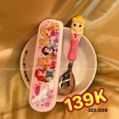 Set muỗng ăn inox kèm hộp đựng hình công chúa ngủ trong rừng Aurora nổi 3D cho trẻ em hàng Disney – DP2134