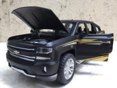 Mô hình xe Chevrolet SILVERADO 1500 2020 1:32