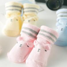 sét 3 đôi tất cho trẻ sơ sinh (giao ngẫu nhiên)