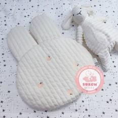 Gối Dot To Dot Hàn Quốc Thêu Họa Tiết Hình Thỏ Chất Liệu Cotton Và Bông Organic Siêu Nhẹ An Toàn Cho Bé – Sukem Shop