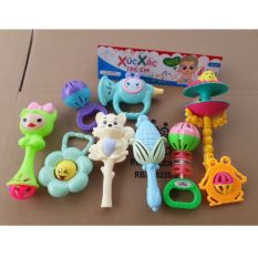 Bộ xắc xắc trẻ em đầy đủ 8 món sắc màu cho bé
