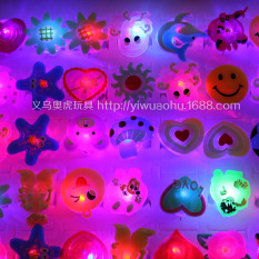 Hộp 50 nhẫn phát sáng- quà tặng học sinh
