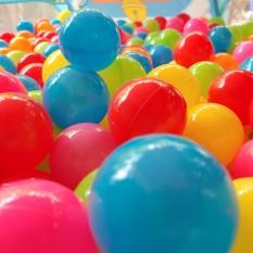 Combo 100 quả bóng nhựa mềm cho bé, Sét 100 quả bóng nhựa cao cấp giá sỉ hàng việt nam, 100 bóng nhựa cao cấp an toàn cho bé loại bóng size nhỡ 5.5cm, cam kết giao đủ hoặc thừa