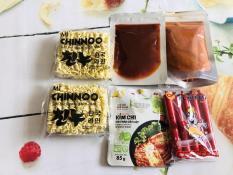 Combo Mì cay 6 món siêu rẻ ( 2 mì chinnoo, bột ớt, sốt. xút xích, kimchi cải thảo)