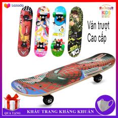 Ván trượt Thể thao cho trẻ em Skateboard từ 2 – 6 tuổi, chất liệu gỗ phong ép cao cấp, hình siêu nhân và nhiều hình cho bé