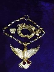 ( MẠ VÀNG 24K ) Dây chuyền nam Đại bàng tung cánh bằng Tittan (ánh vàng kim) – Phong Cách PHÚ LÊ
