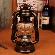 Đèn dầu đốt bấc đậm chất Vintage vừa trang trí vừa có thể sử dụng thực tếXanh lá