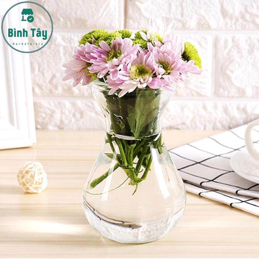 Bình hoa trang trí lọ hoa thuỷ tinh để bàn BT-H045. Thích hợp cắm những bông hoa trang trí nhà bếp phòng ăn, phòng khách hay văn phòng làm việc của bạn
