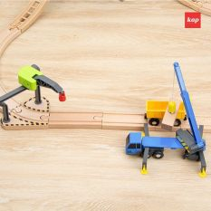 Xe cần cẩu đồ chơi, xe trục cẩu hạng nặng, xe cần cẩu chơi cùng đường ray xe lửa gỗ