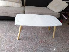 Bàn chữ nhật trắng sofa phòng khách