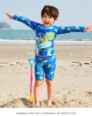 bộ đồ bơi bé trai 3 món ( có nón) tay dài quần ngắn họa tiết khủng long , hàng Qc