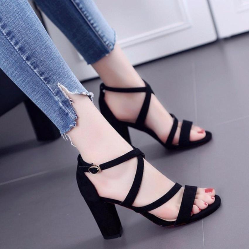 Giày cao gót 7 phân quai chéo (Đen)