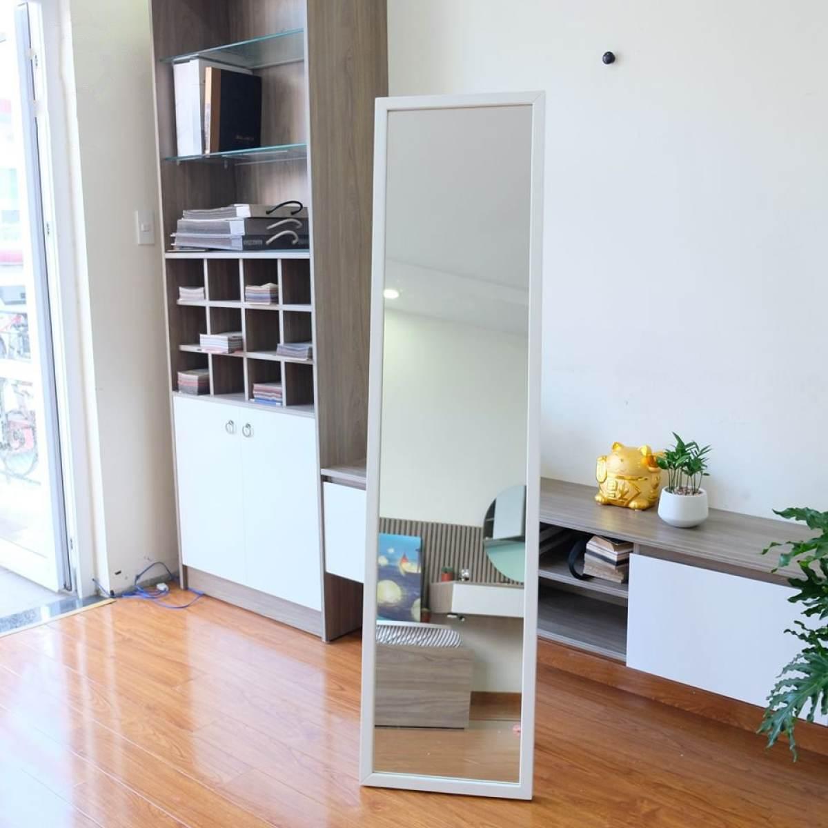 Gương soi toàn thân có chân tựa 40x170cm màu trắng